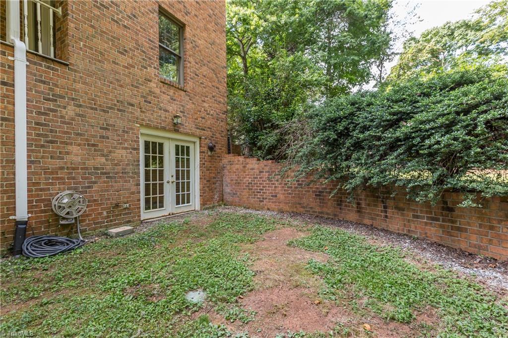 6121 Roxbury Court Property Photo 46