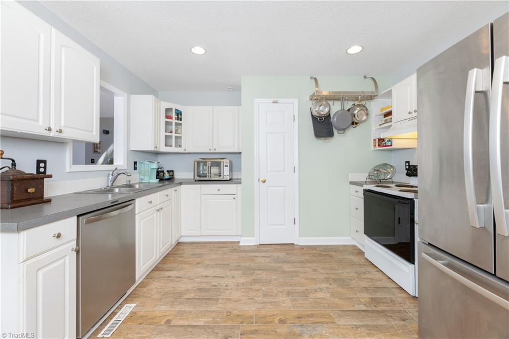 150 Winchester Road Property Picture 4