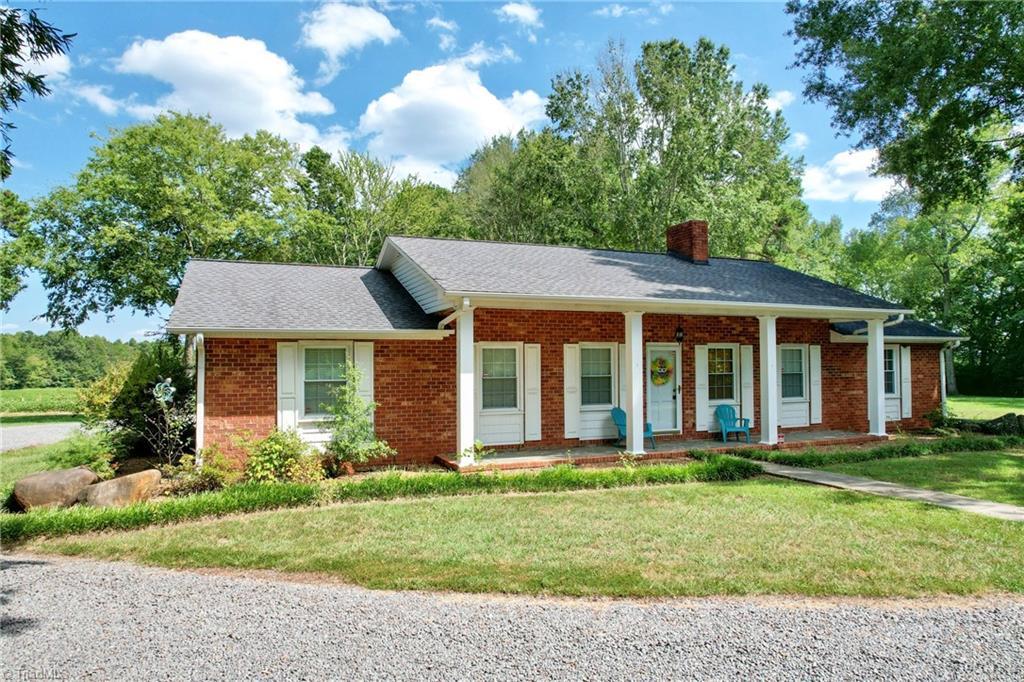 786 Farmington Road Property Photo