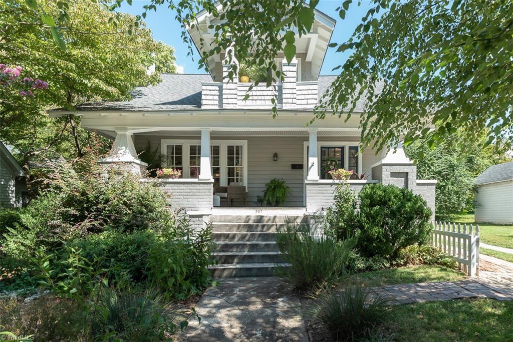 107 Jackson Street E Property Photo 1