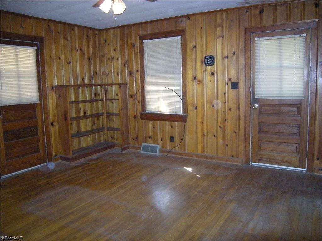 100 Spring Street Property Picture 6