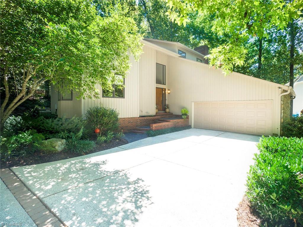 4011 Waldenbrook Court Property Photo 1
