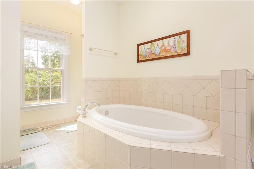 8736 Bame Road Property Picture 14