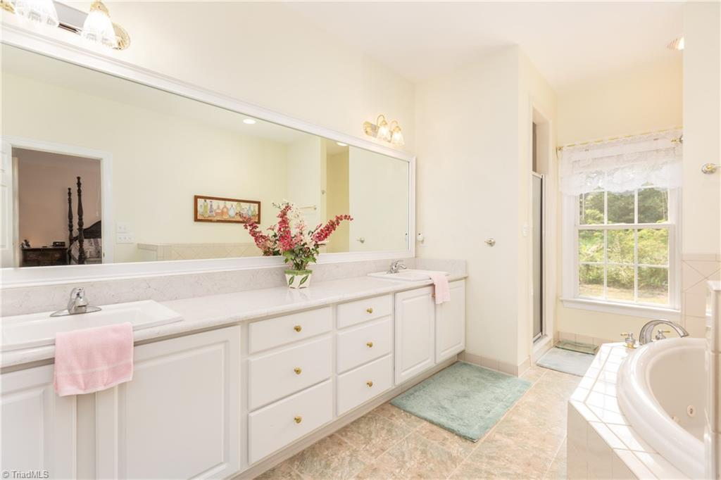 8736 Bame Road Property Picture 15