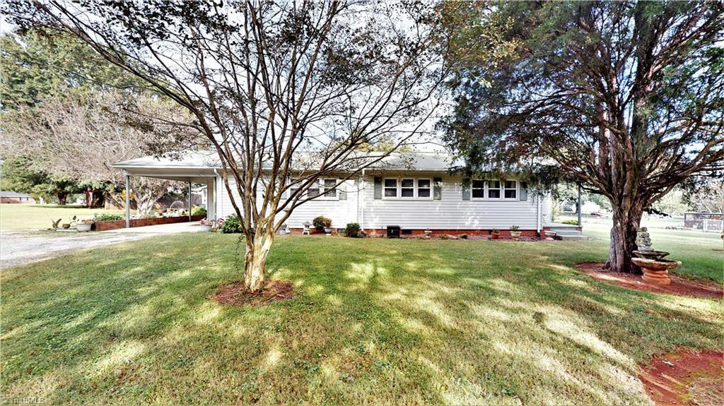 8146 Hillsville Road Property Photo