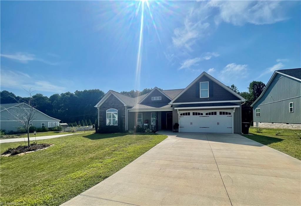 6590 Bellawood Drive Property Photo 1