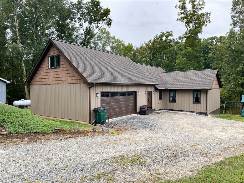 220 Knollwood Drive Property Photo 1