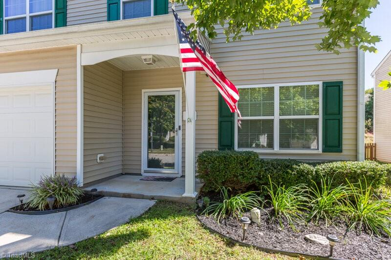 135 Meadowsweet Court Property Picture 3