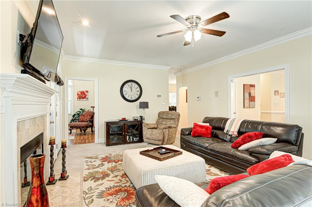 5302 Coveview Court Property Photo 11