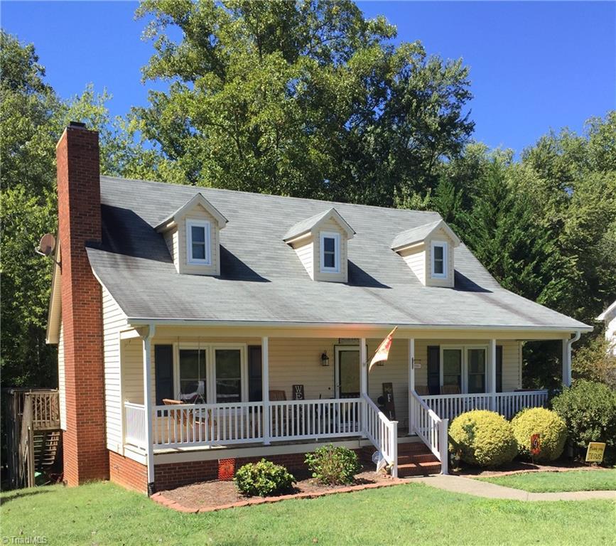 204 Winfield Drive Property Photo 1