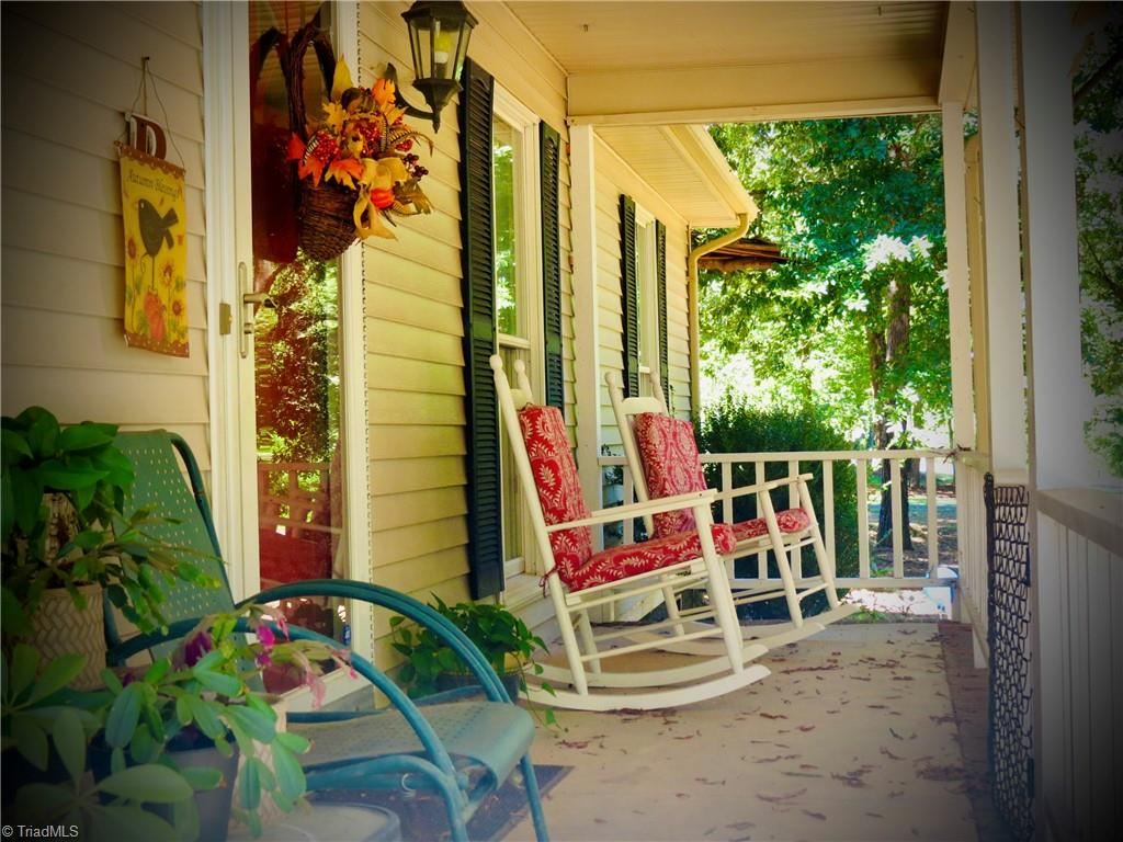 28025 Real Estate Listings Main Image