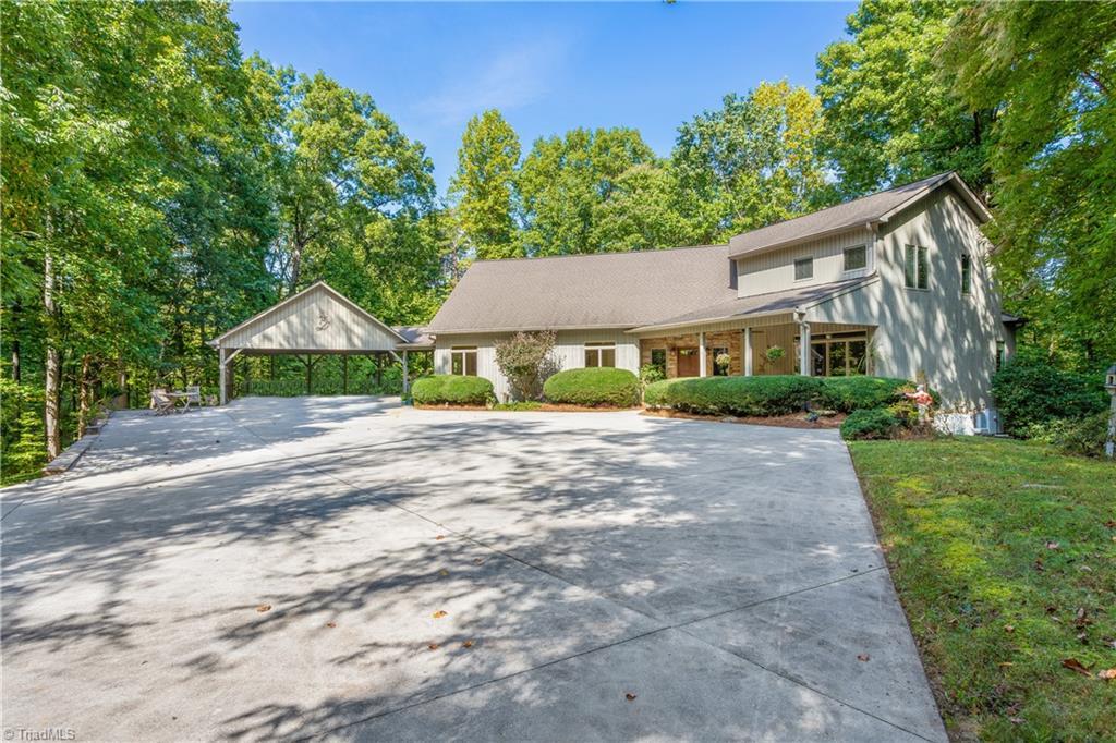 7648 Anthony Road Property Photo 1