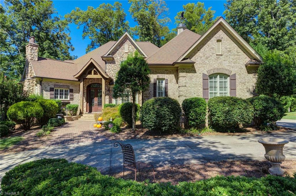 5077 Laurel Run Property Photo 1