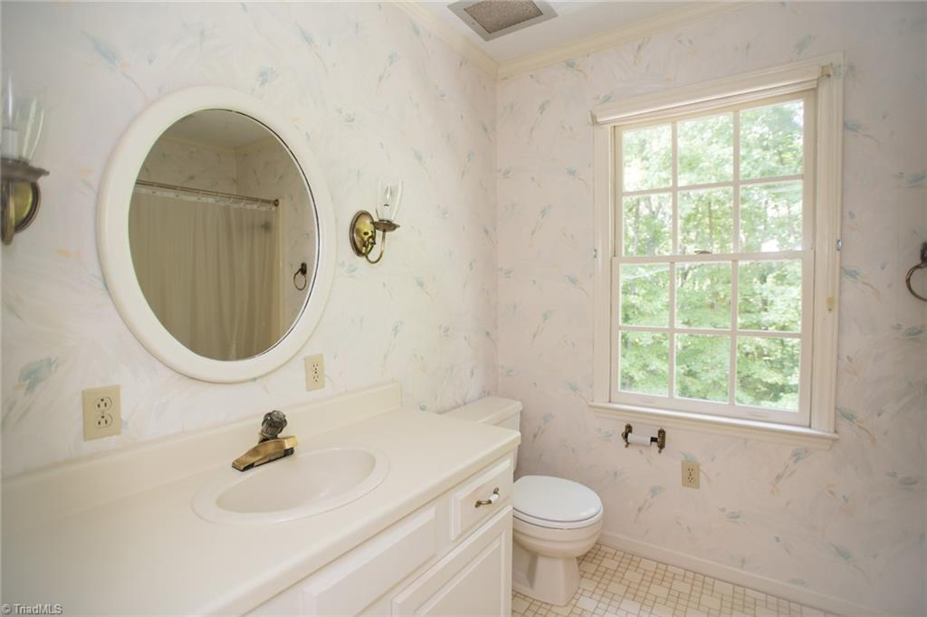 631 N Clodfelter Road Property Photo 26