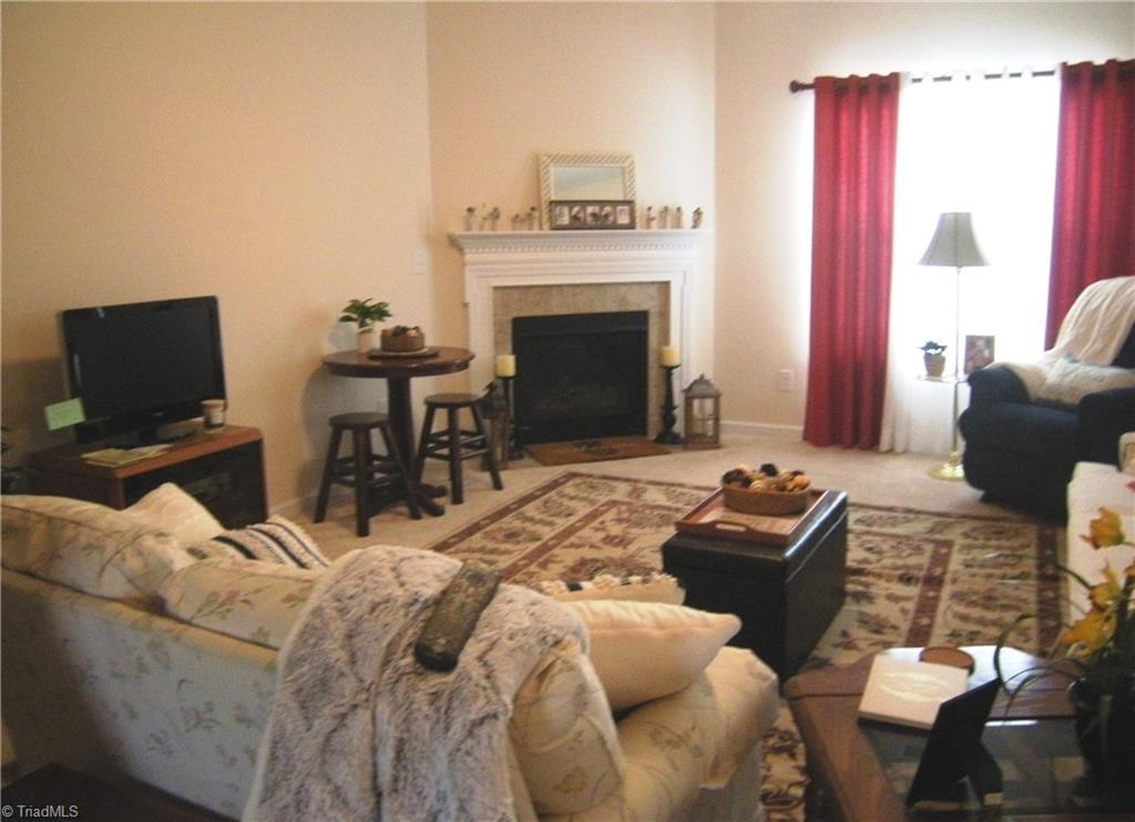 4987 Longburn Lane Property Picture 4