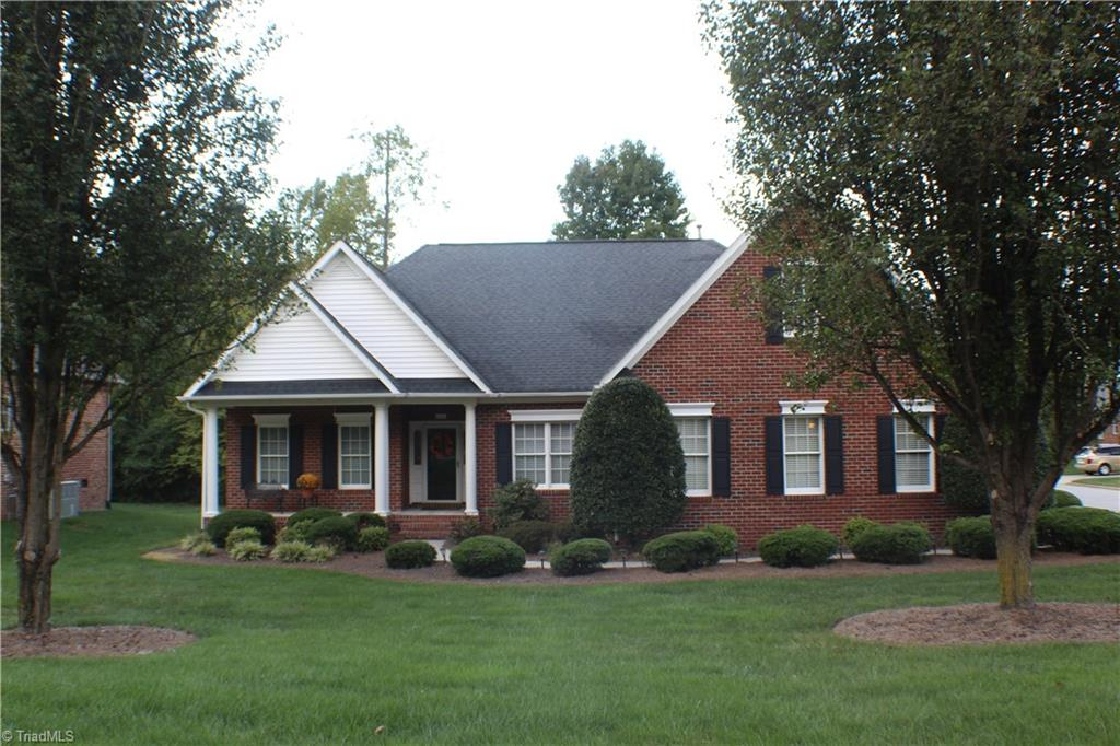 4411 Hunter Oaks Court Property Image