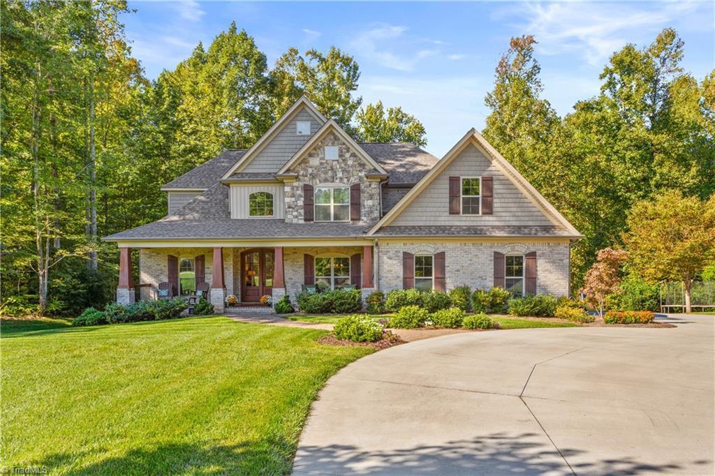 7903 Winterbourne Drive Property Photo 1