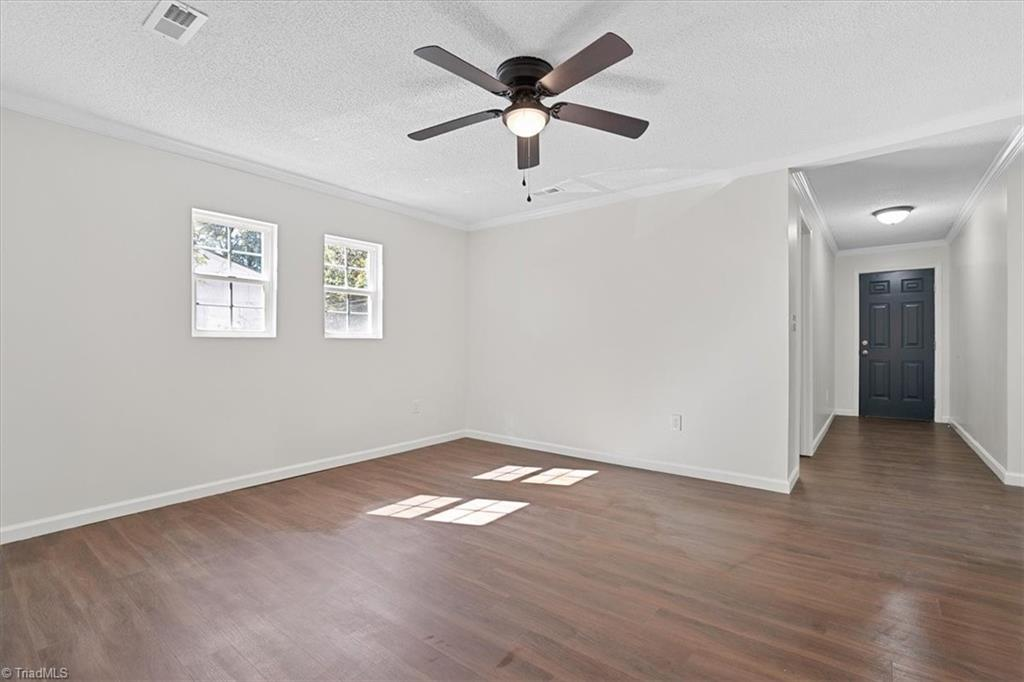 402 Hobson Street Property Picture 10