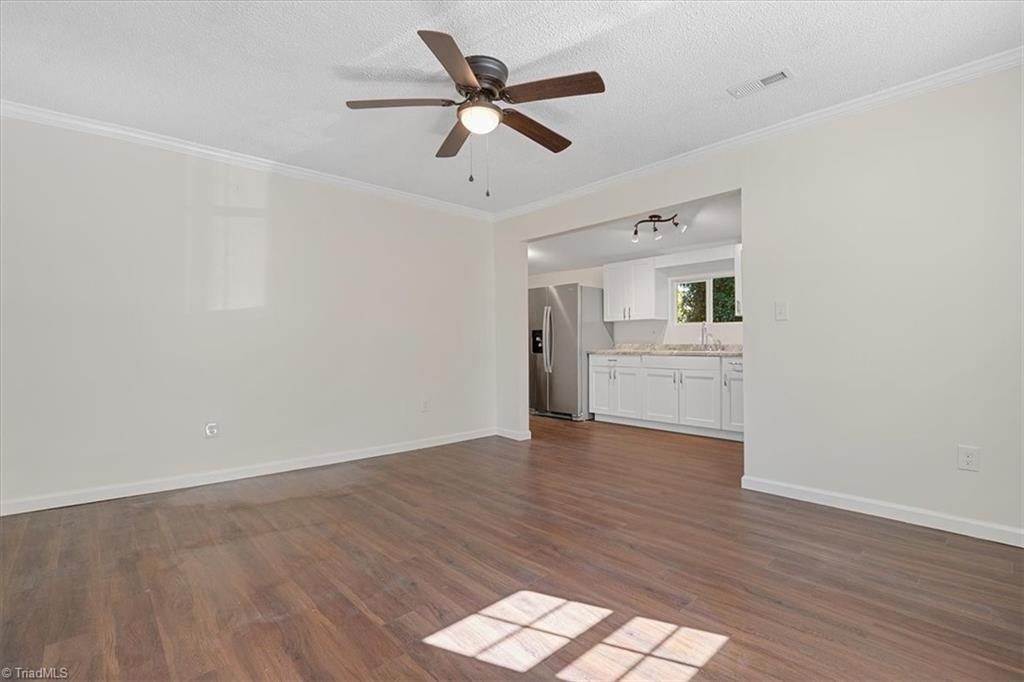 402 Hobson Street Property Picture 12
