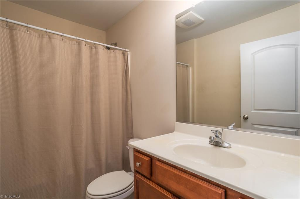 654 Chas Court Property Picture 11