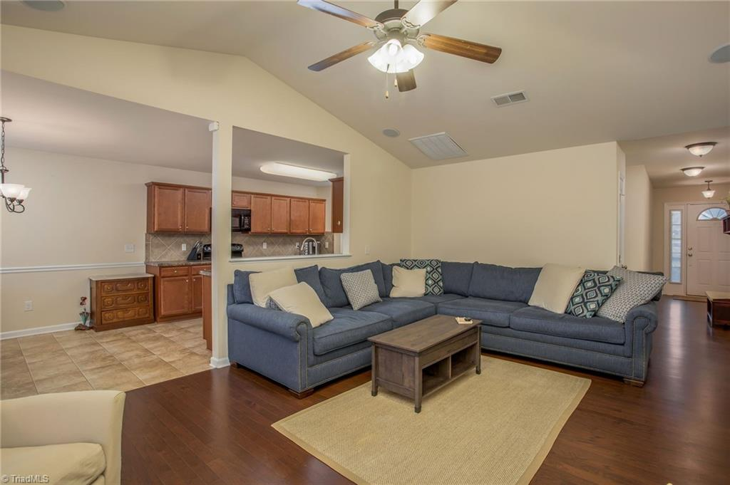654 Chas Court Property Picture 13