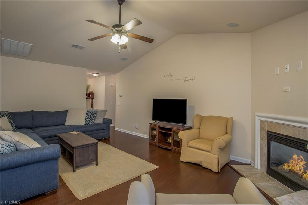 654 Chas Court Property Picture 14