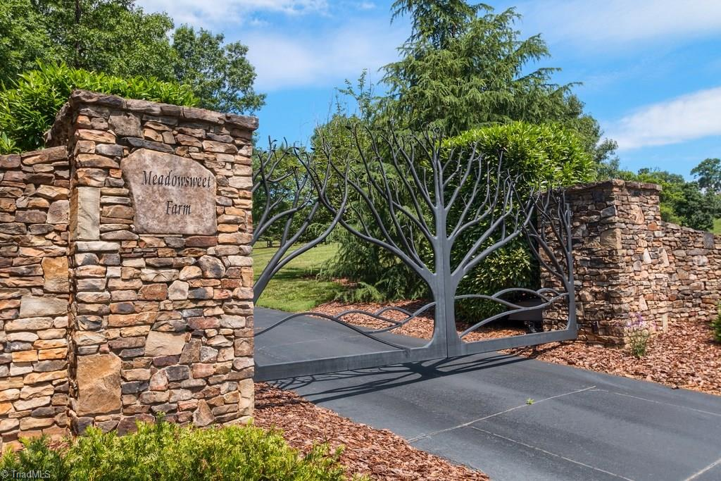 172 Tuckertown Road Property Photo 1