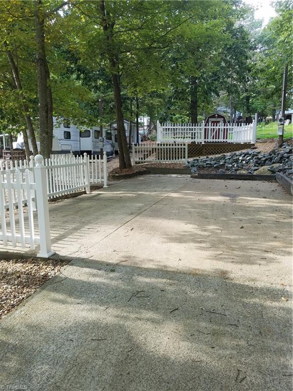 210 Laurelwood Lane Property Photo