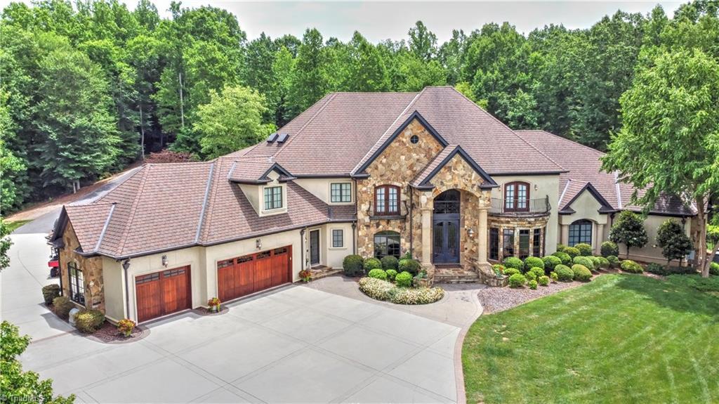 8451 Ridgewood Road Property Photo 1