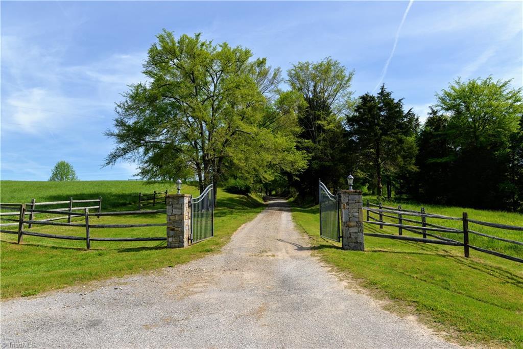 669 Husk Road Property Photo 11
