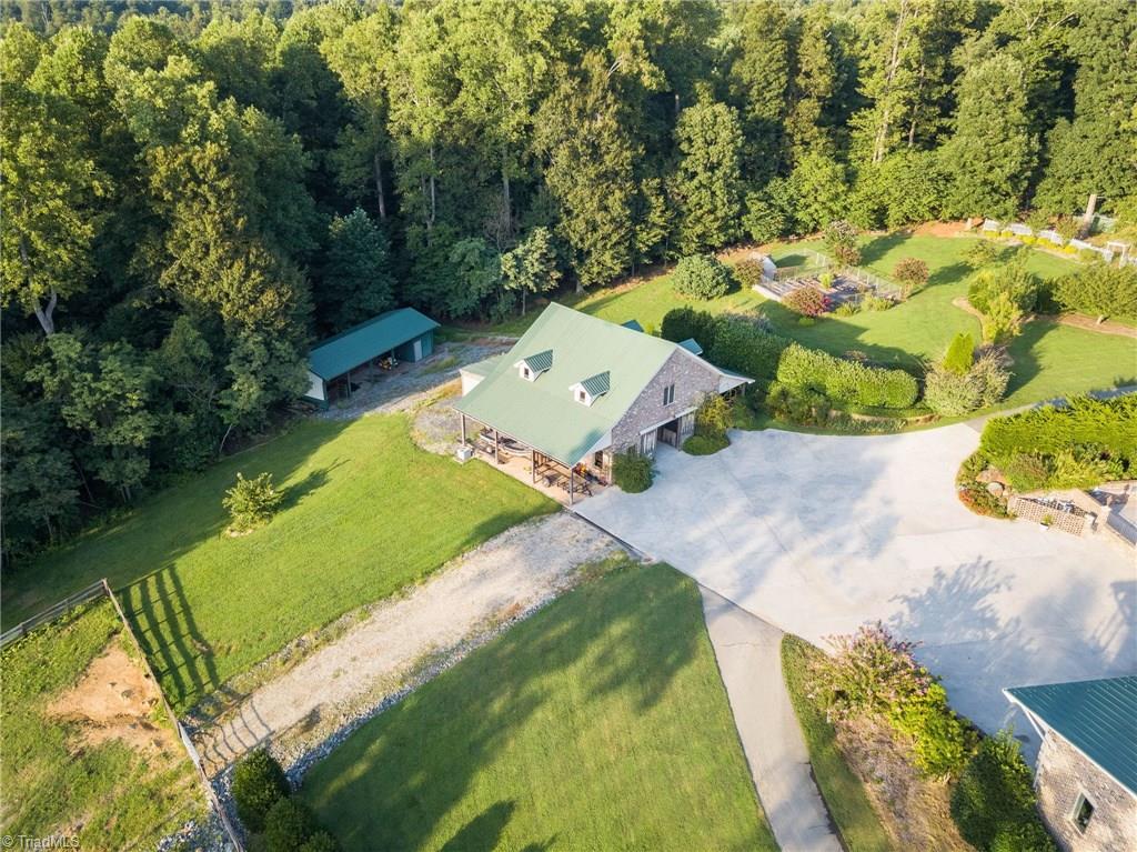 1525 Blythe Drive Property Photo 3