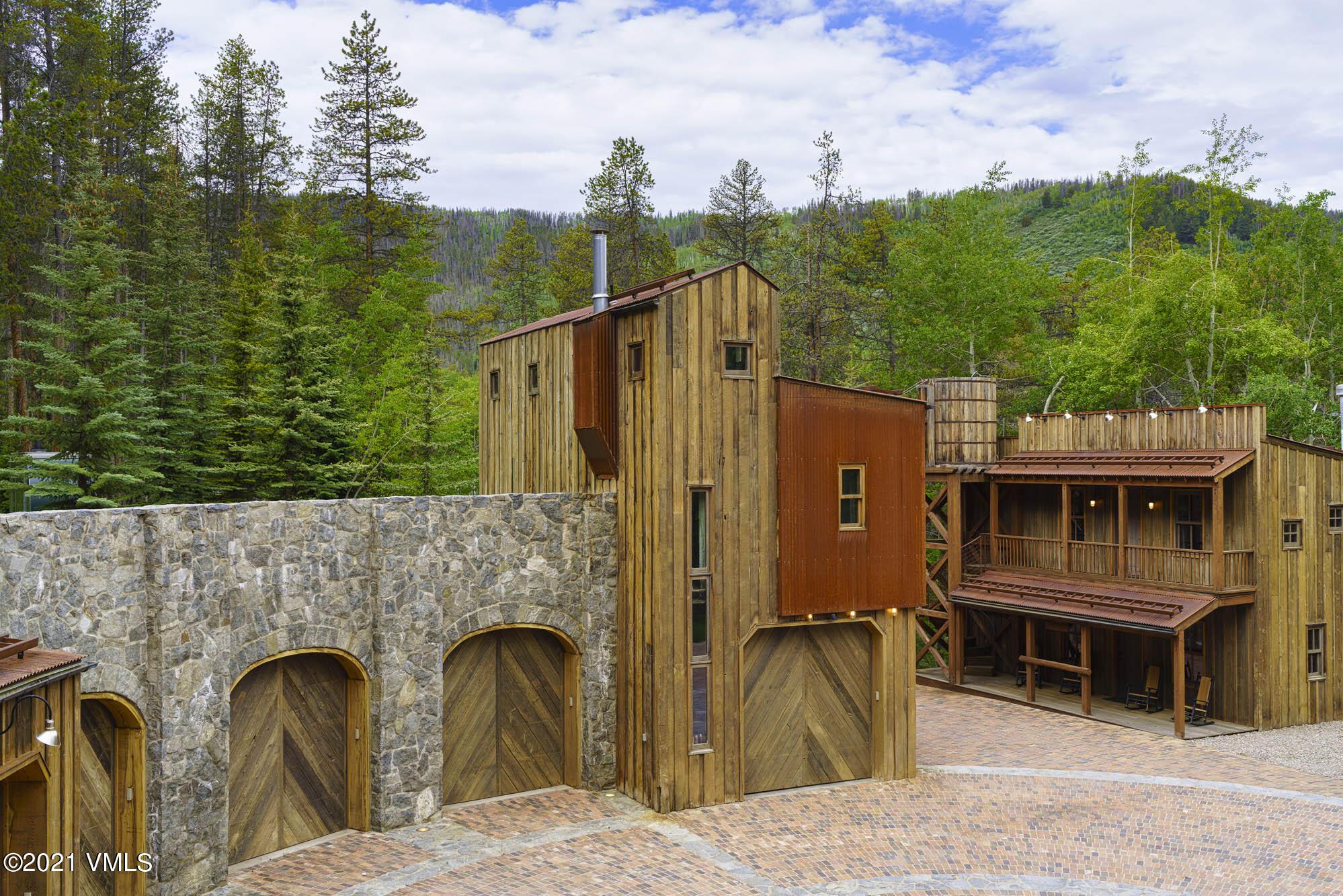 2400 Casteel Creek Property Photo 7