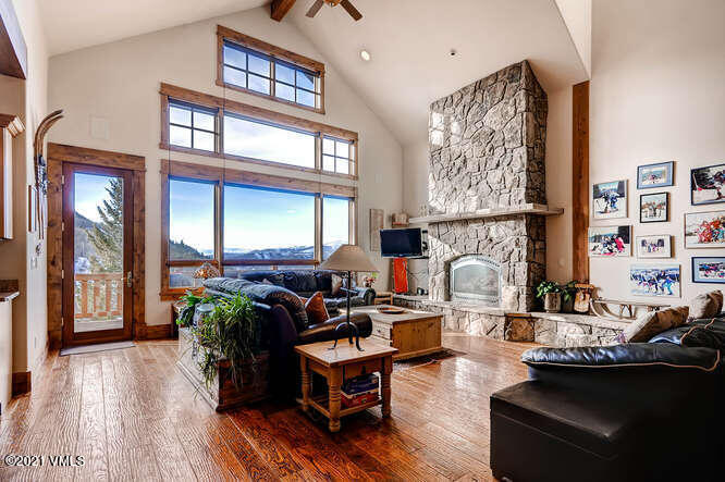 1201 Eagle Drive Property Photo 1