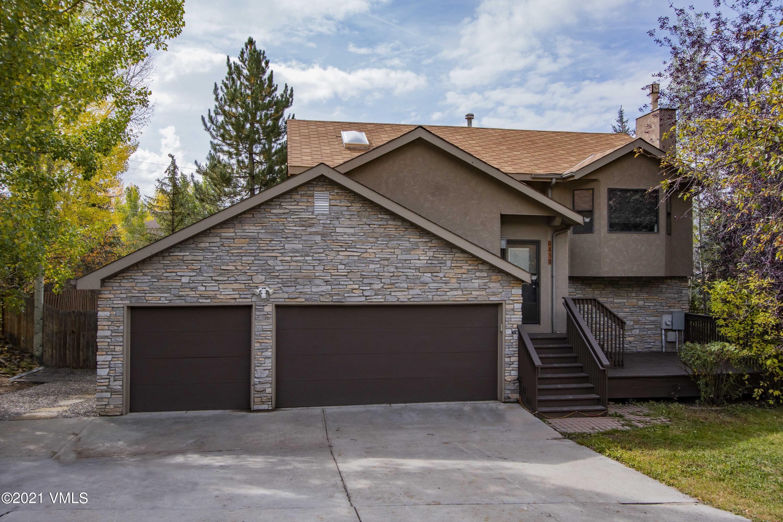 438 Moonridge Drive Property Photo 1